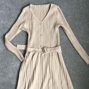 Dresses & Skirts - Beige Knit dress
